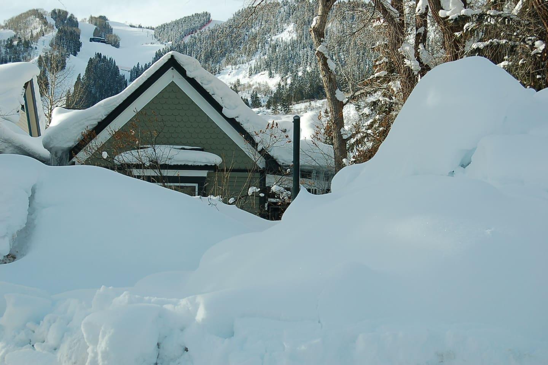 Feel like a ski vacation? Free skier shuttle is half block away