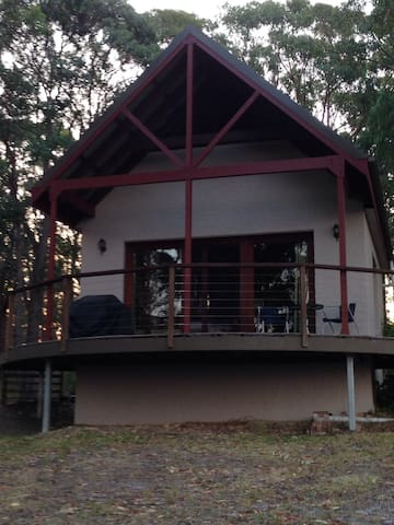 Private bush cabin with water views - Pindimar - Rumah