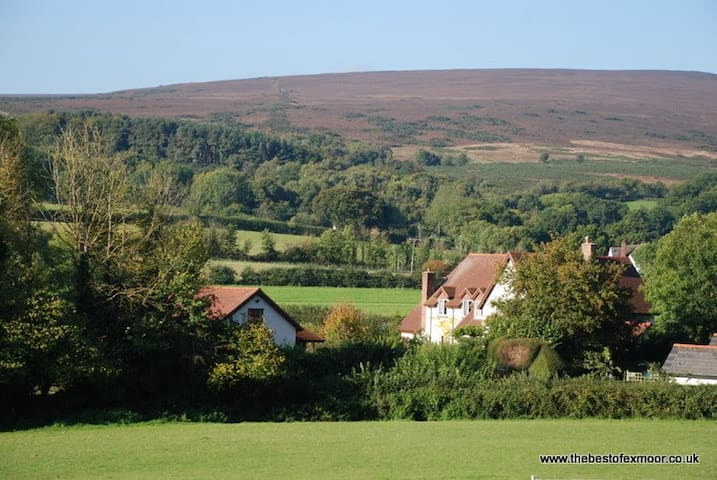 Holiday apartment in Wootton Courtenay, Exmoor - Wootton Courtenay - Apartemen
