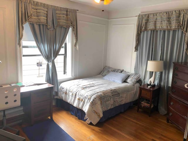 Great affordable room 2