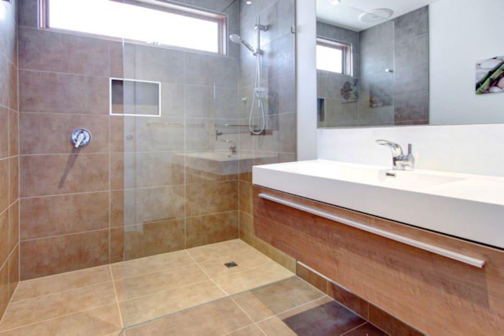 Large shower area