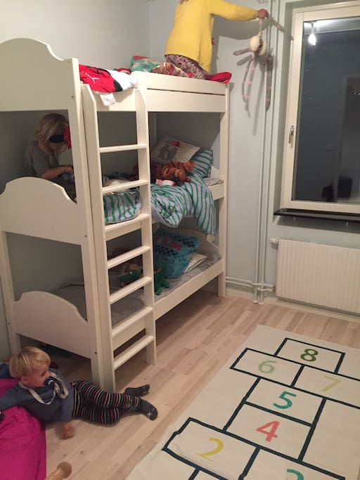 The kids bed room.