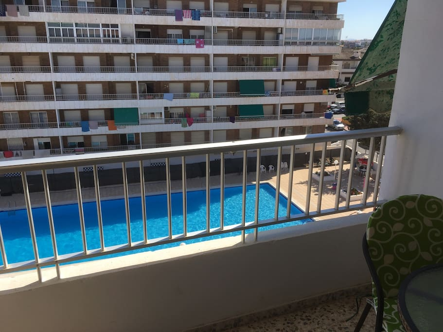 Apartamento con piscina flats for rent in torrevieja for Piscina torrevieja