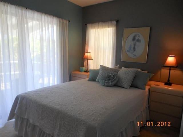 Two Rm Suite 500 sq ft So Florida  - Palm City - Huis