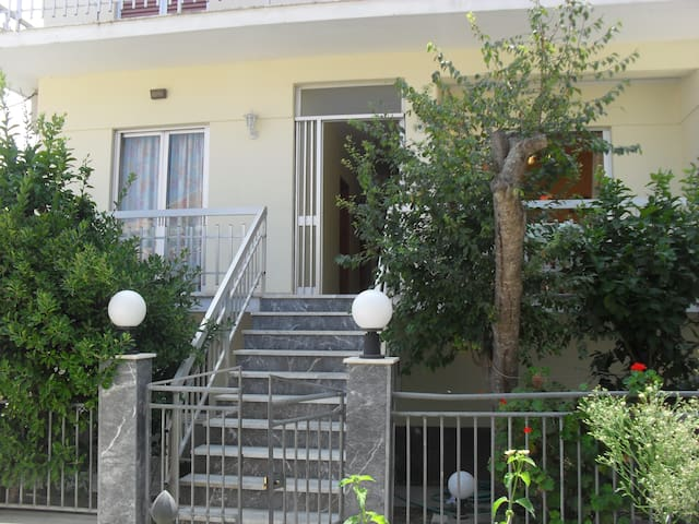 holiday greenery in Cornelia 1 - Lakka - Apartament