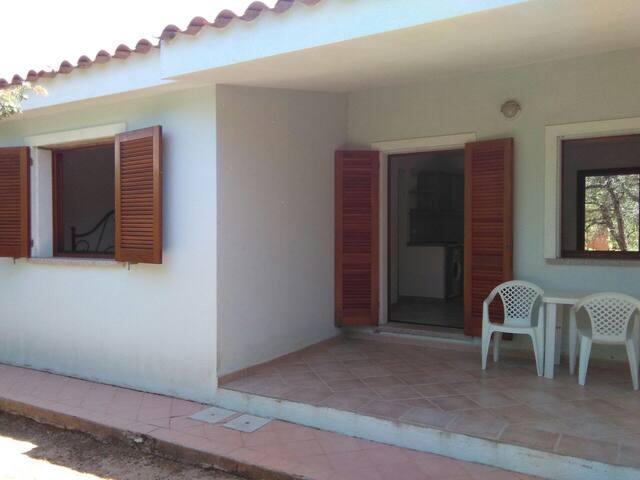 Villa Maestrale bilocale - Rena Majore - House