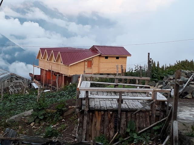 mountain gust house