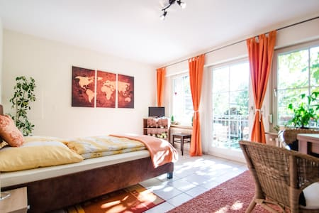 B&B Good feeling for 2, own terrace, Wifi & bikes - Hartheim - Aamiaismajoitus
