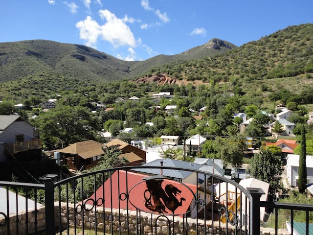 """The Dragonview""  large 4 Bed 2 Bath in Old Bisbee"