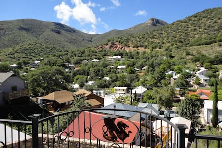 Bisbee's best 4 bedroom house, beautiful views - House