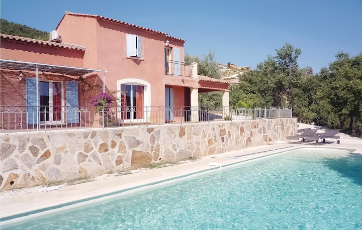 Awesome home in La Londe Les Maures with 3 Bedrooms