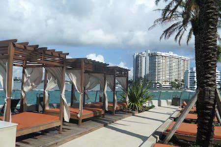 Great 1 bedroom apt at the Flamingo - Miami Beach - Lejlighed