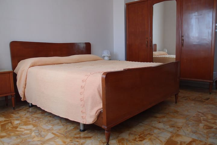 Casa vacanze ad Albenga 4+2 letti - Albenga - Flat