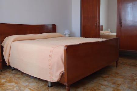 Casa vacanze ad Albenga 4+2 letti - Albenga - Apartemen