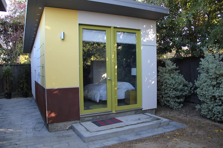 Modern Private Mini Eichler Studio