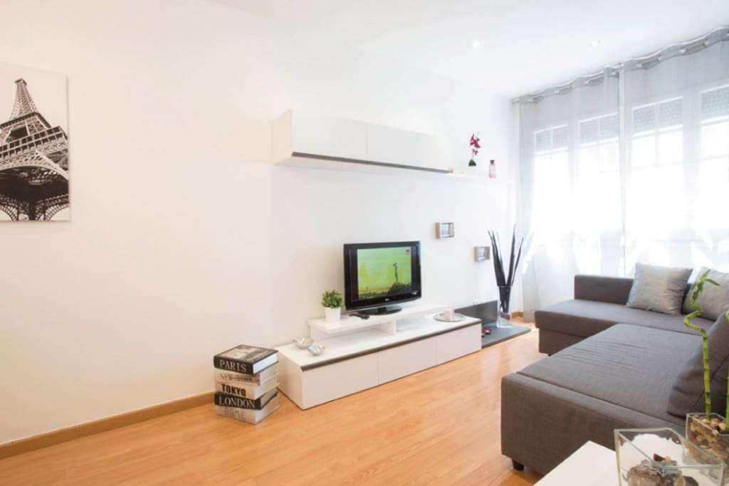 Appartement moderne et confortable gracia appartements - Appartement moderne confortable douillet ...