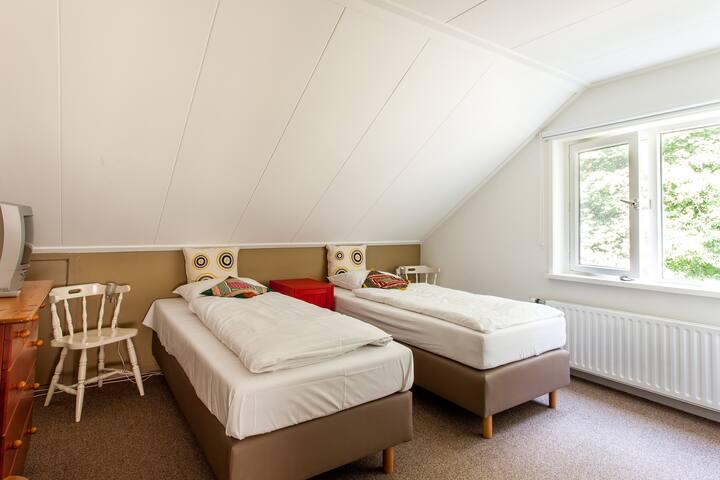 Landhuis kamer 1, Bergen op Zoom  - Hoogerheide - Bed & Breakfast