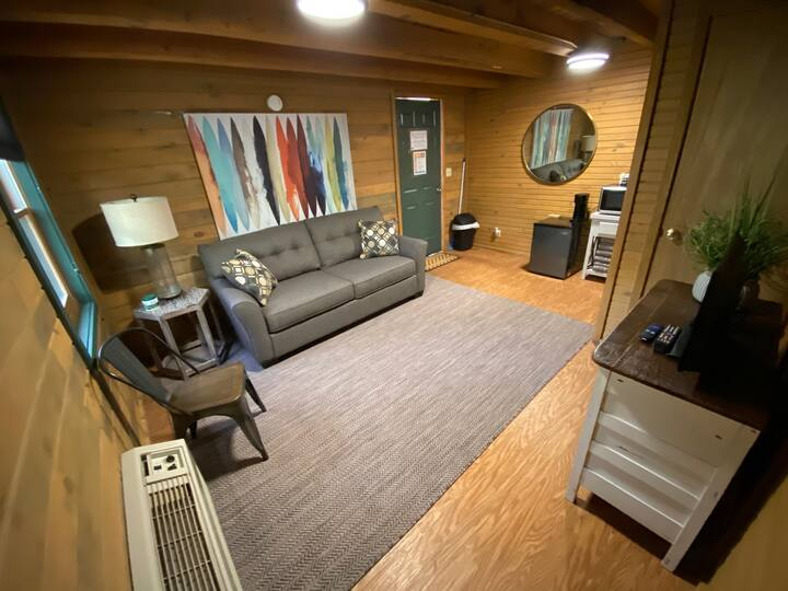 Newly Renovated Kettle Cabin #2