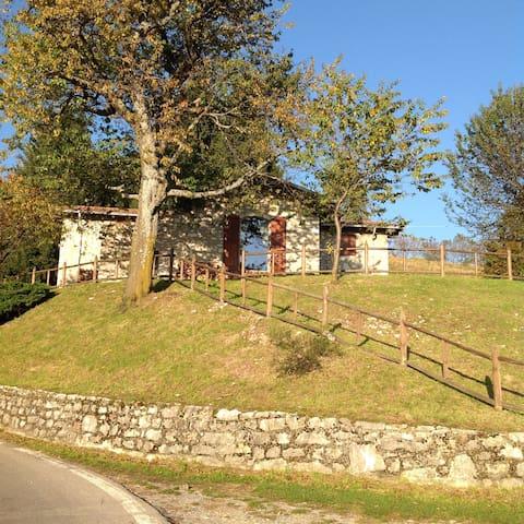 Accogliente cascina panoramicissima - Grone