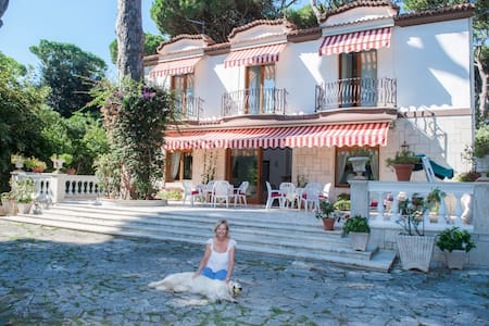 B&B Villa Bianca, Sun, Sea, Culture - Fregenae - 家庭式旅館