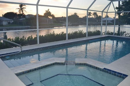 Darling Florida Ranch Style home with all the Bells and Whistles for boating ! - Marco Island