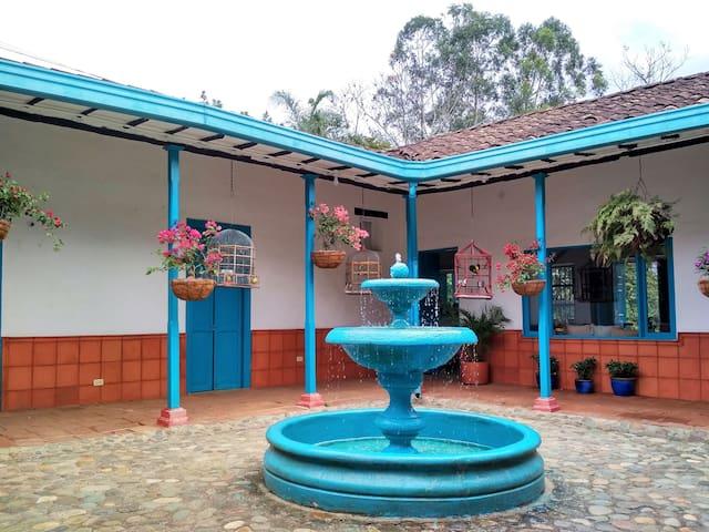 Casa Colonial Campestre (Rancho Aguas Claras)
