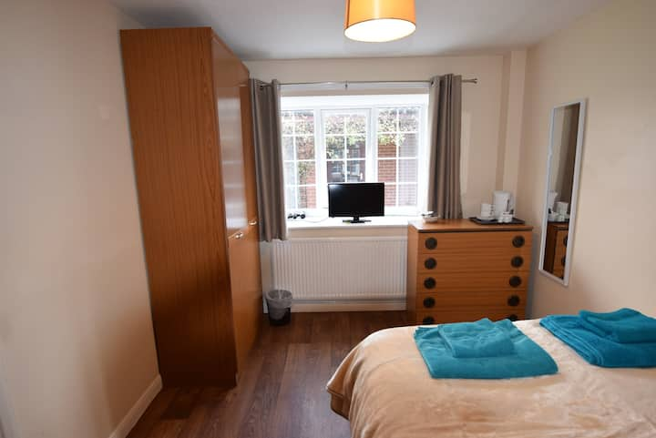 **The Watling Inn** Relaxing Double room**Parking