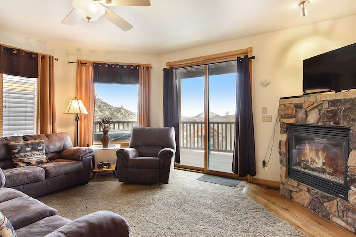 Chiefs Head Peak 21B - 2 Br condo with private hot tub, Marys Lake and mountain views!
