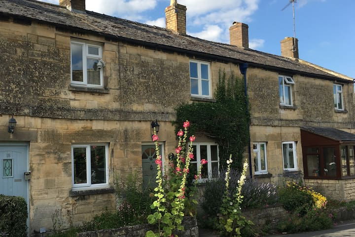 Charming Cottage in Winchcombe in the Cotswolds