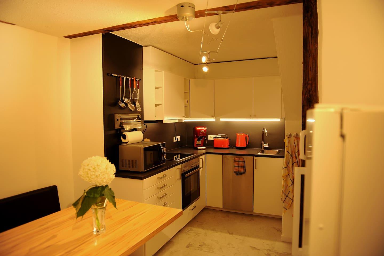 Küche alles vorhanden