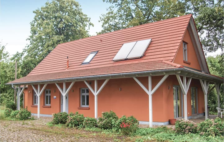 Holiday cottage with 3 bedrooms on 170m² in Karwesee