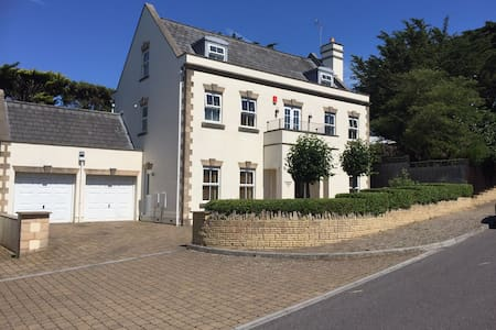 Double room with en-suite and sea views - Weston-super-Mare