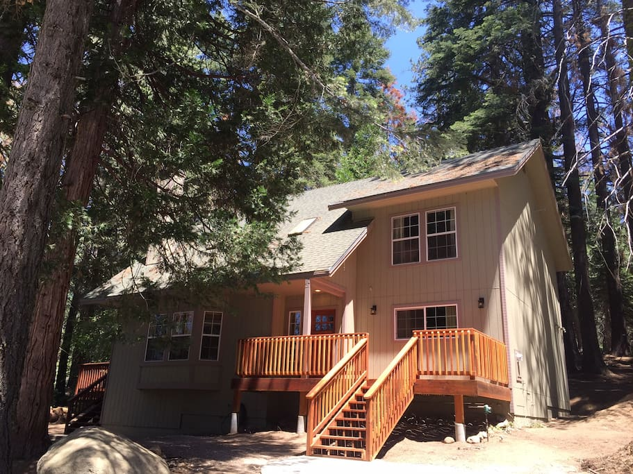 Yosemite 39 s alder lodge cabins for rent in yosemite for Yosemite national park cabin rentals