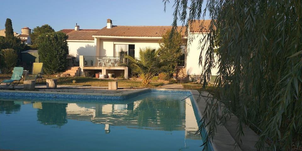 Chambre dans maison entre Nîmes et Montpellier