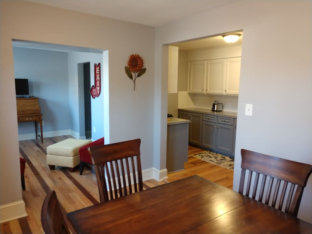Fully remodeled (Dinning Room, Office and kitchen)