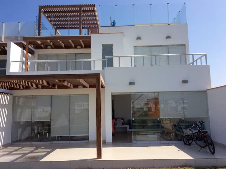 Alquiler casa playa en Paracas-Ica