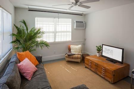 Private Loft in Seminole Heights - Tampa
