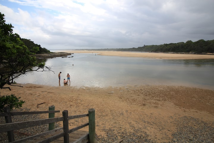 'Boatsheds' Sawtell Beach