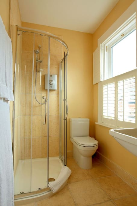 A typical en suite bathroom