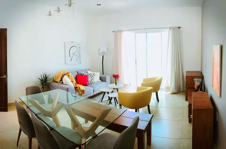 Private room, modern flat. Cleaning cost included