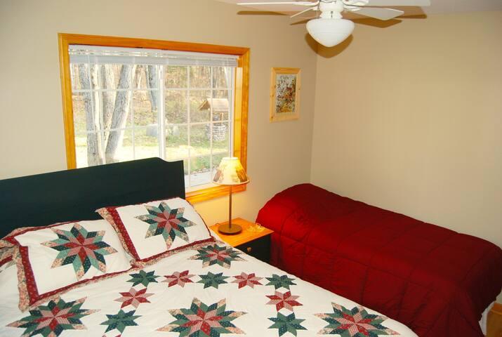 Queen Bedroom with Twin Bed