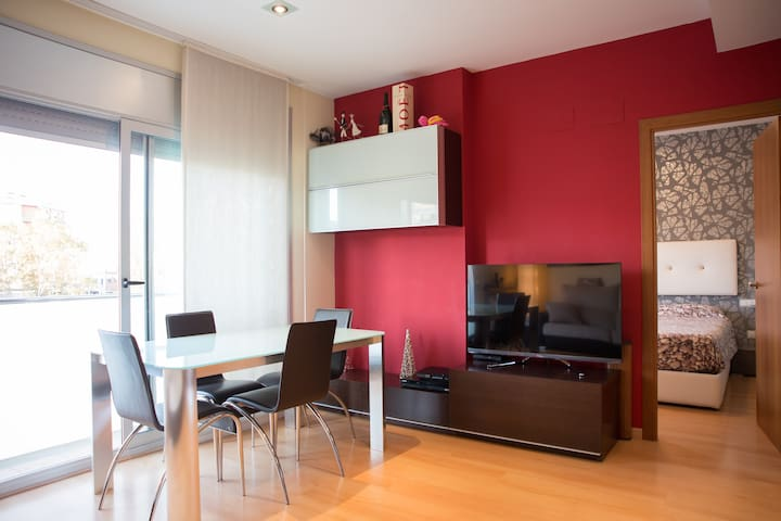 PRIVATE ROOM IN COZY FLAT - Terrassa - Byt