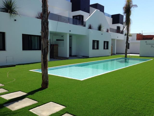 LUXURY 2 BED PENTHOUSE APARTMENT, GREAT LOCATION. - San Pedro del Pinatar - Apartment