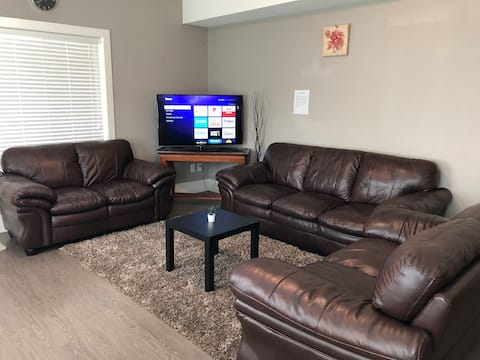 Gorgeous 2 Bedroom Private Suite