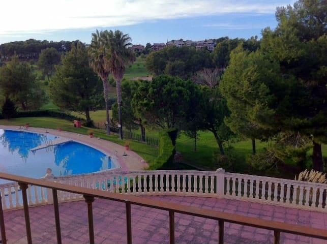 2 Apartamentos comunicados, Urbanización El Bosque - Valencia - Byt
