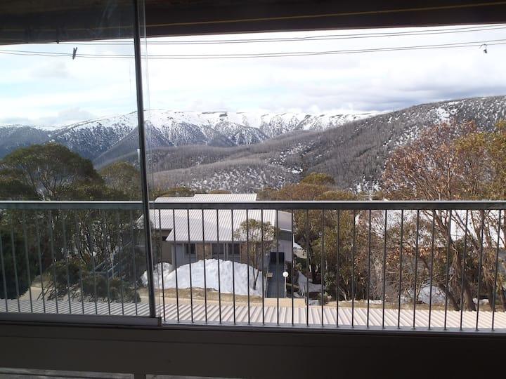 Enjoy the Australian alps with amazing views