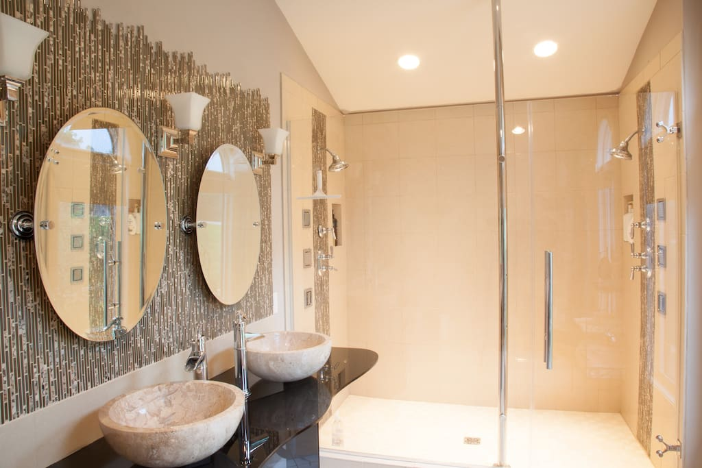 Master Bath With Double Shower Head & Body Jets
