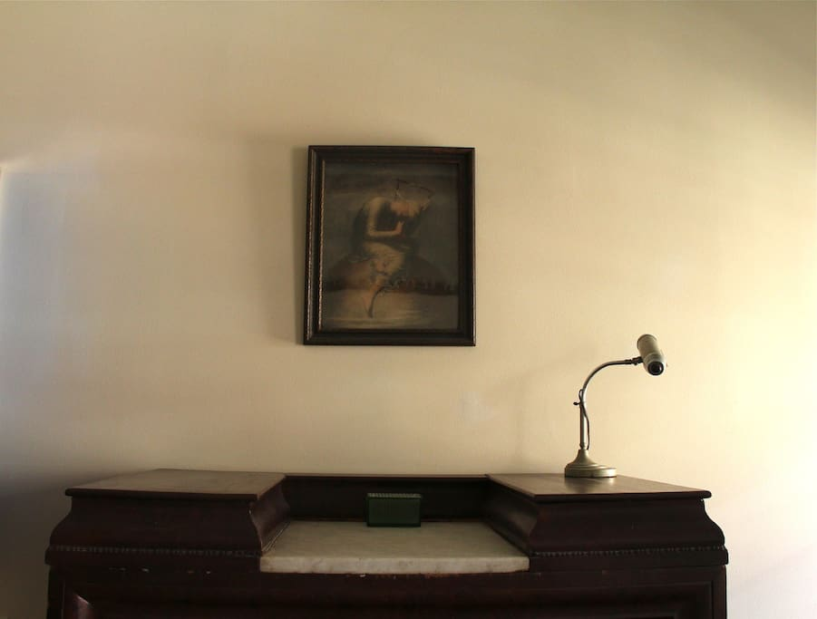 dresser  guest room