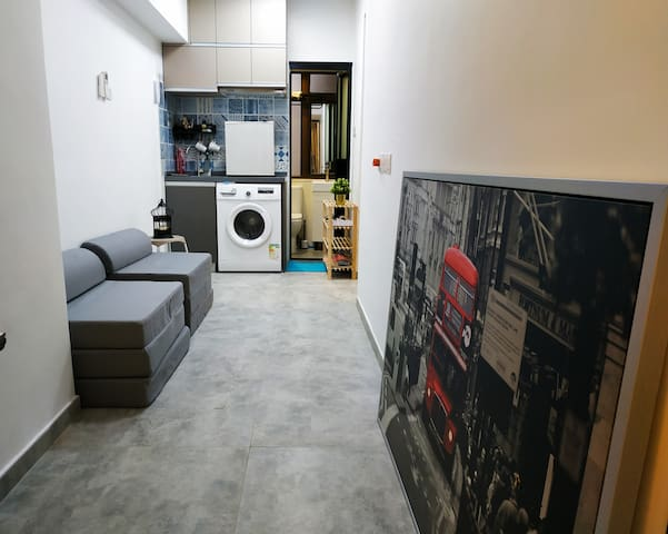 Cozy & Large Apartment @ City Center, Close to MTR