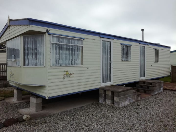 Snowland Holiday Park A37
